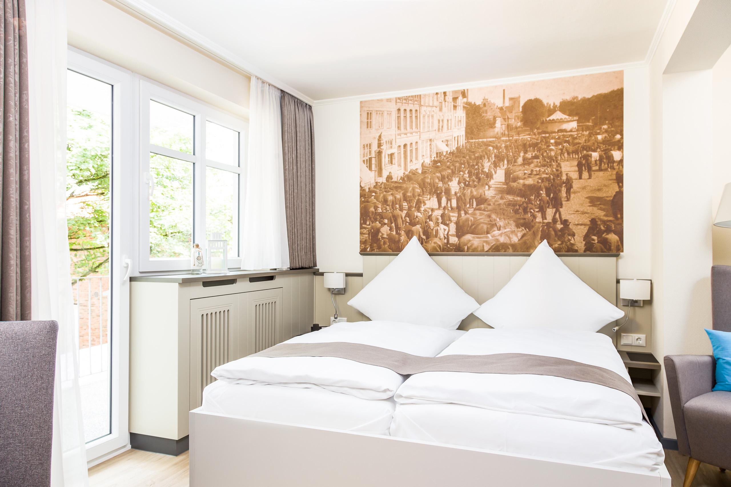 home hotel klein amsterdam in friedrichstadt. Black Bedroom Furniture Sets. Home Design Ideas